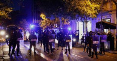 По насилствата во Каталонија, приведени 51 лице