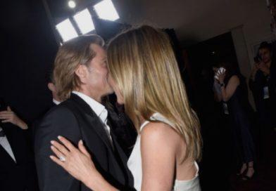Историски допири – Бред и Џенифер се бакнуваа јавно по 15 години, актерот не сакаше да ја пушти